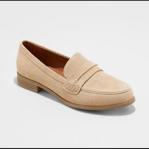 Universal thread anamae suede taupe loafers
